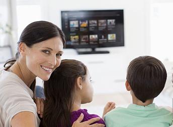 famiglia antenna tv sky installazione digitale terrestre antennista reggio emilia